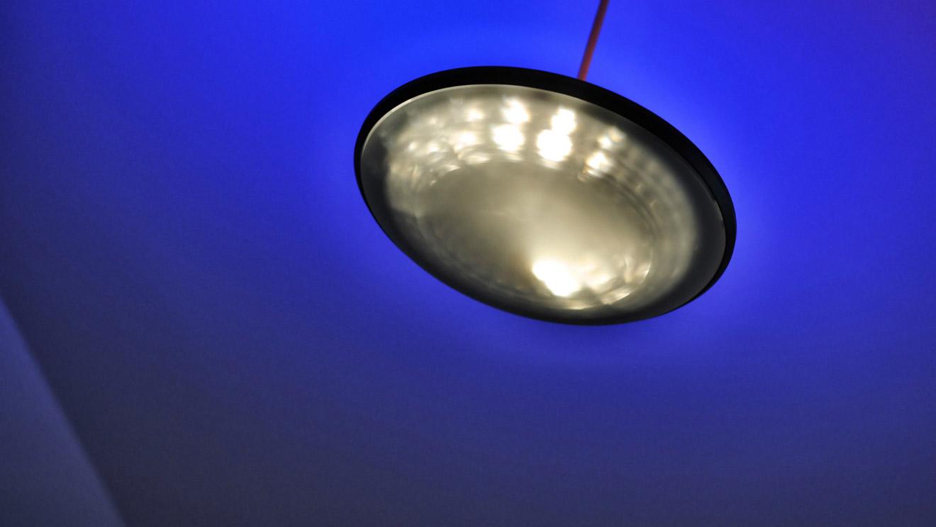 es wird angenommen dass die lampen wie