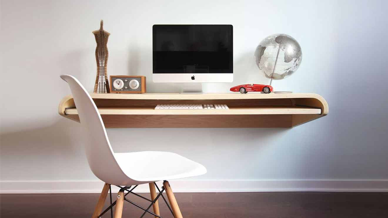 In Schwebe: Dario Antonioni, Amerikanischer Designer Und Gründer Von  Orange22 Design Lab In Kalifornien